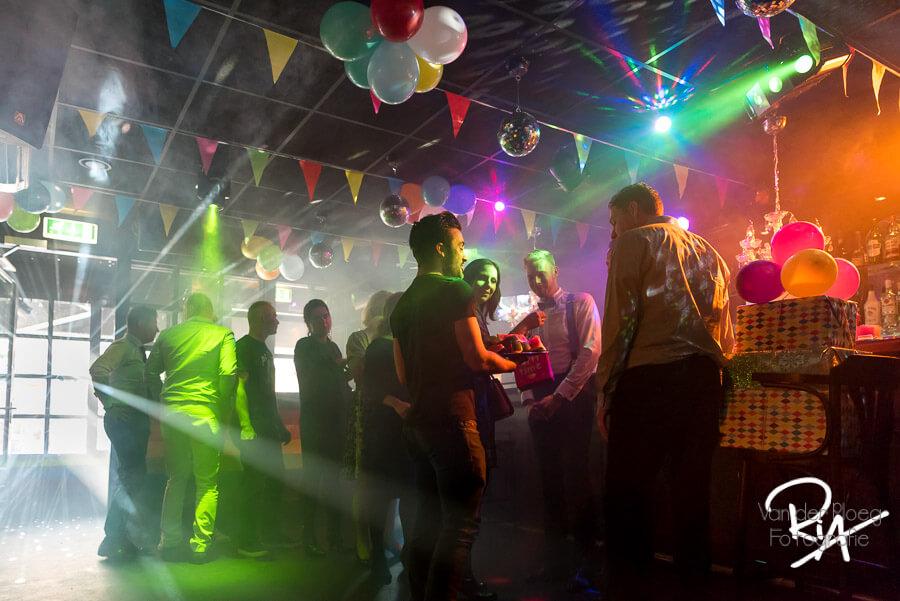 Trouwfotograaf huwelijk mannen cafe regenboog eindhoven