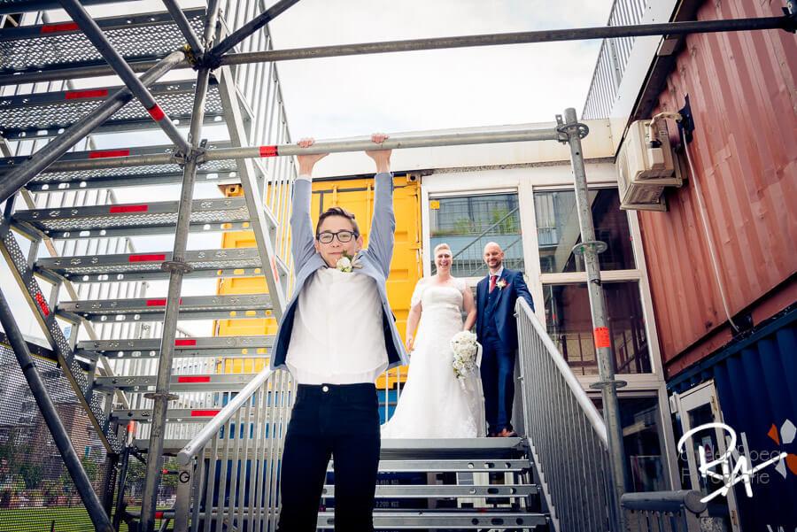 speelse bruidsfotografie eindhoven fotograaf huwelijk